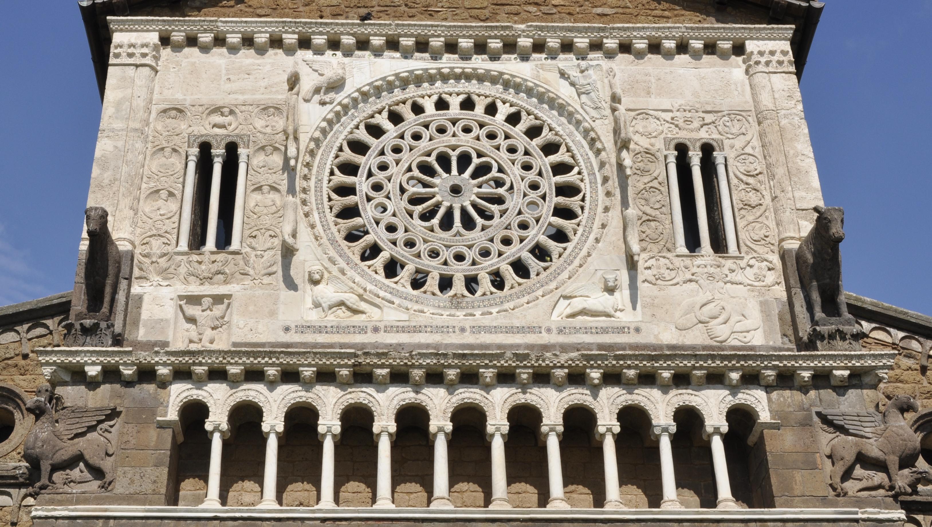 Luoghi da visitare - Facciata Chiesa di San Pietro - Tuscania - Tuscaniainfo.it