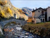 Frazione Santa Maria a Fobello lungo il fiume, foto di R. Visconti