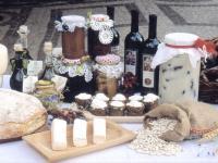Formaggio Marzolino e altri prodotti tipici di San Donato Val di Comino, foto di M. Scataglini